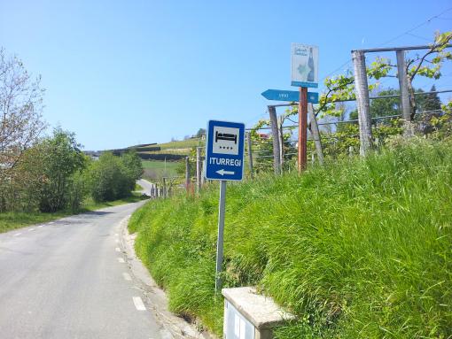 De camino al barrio Askizu.